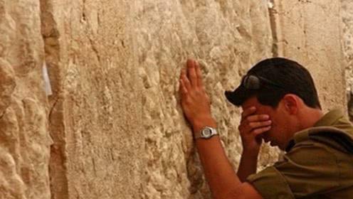 """世界上最""""悲伤""""的墙,每年都有上万人前来大哭,已经哭了几百年"""
