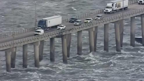 """美国最""""恐怖""""的桥梁,竟然没有保护措施,老司机都怕得手抖!"""