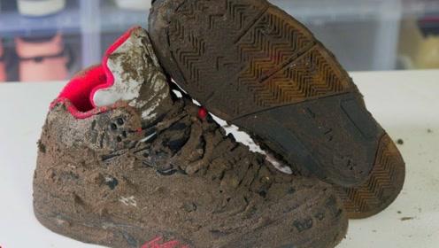 男子垃圾堆捡到破球鞋,翻新之后!转手就卖了12000元