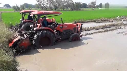 真给力,有人说久保田这台旋耕机拖拉机,还不如我们东方红拖拉机