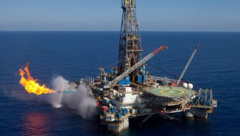 """每个石油钻井平台的上面,为什么都有一个""""火炬""""在不停燃烧?"""