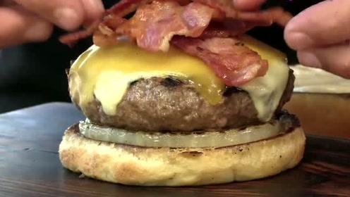 这份汉堡的肉饼好厚啊,完全盖不住的感觉,物有所值呀