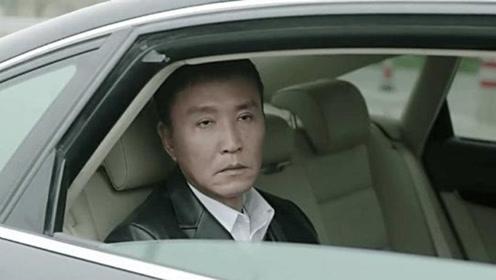 吴刚再现当年追妻子场景,一辆二八大杠又痞又帅,网友都忍不住了