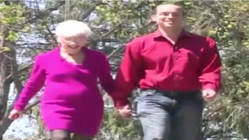 美国男子爱上89岁老奶奶,婚后愿望,让人难以理解