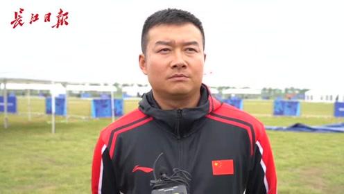 八一跳伞队副队长冯杰:发扬中国女排精神,展示中国军人的血性