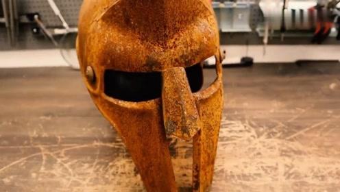 一顶老旧角斗士头盔,看着怪可惜的就给翻新了,瞬间成了抢手货