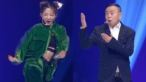 62岁潘长江再跳《过河》引回忆杀,与美女battle热舞搞笑不输阵