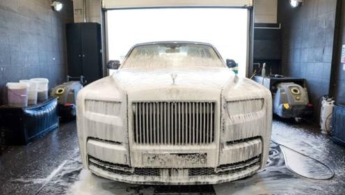 给4000万的劳斯莱斯幻影洗车,得多胆战心惊?这活一般人还真干不来