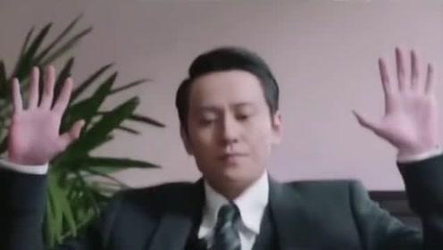 识时务者为俊杰,要先学会低头,这样才能不受欺负!