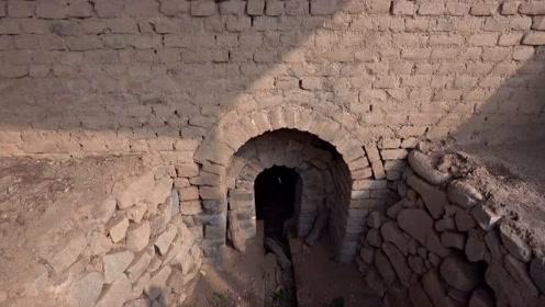 秦皇岛板厂峪窑址群遗址,已发掘并对外开放的2号窑和4号窑