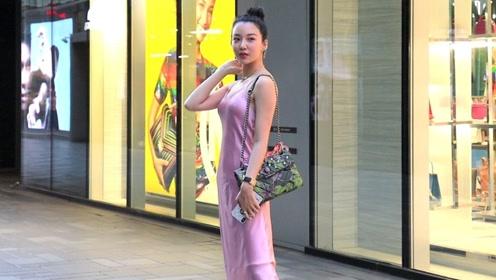 时尚街拍:一年四季无论何时,三里屯总是繁花似锦美女不断