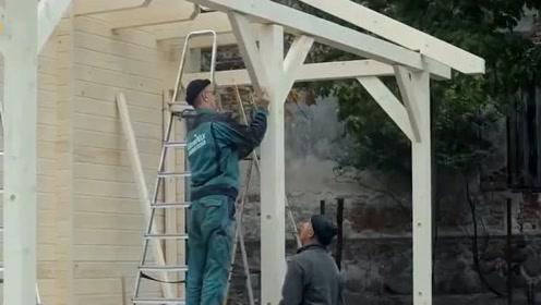 全程拍摄,老外是如何用全木结构,盖出一座精致的小木屋的
