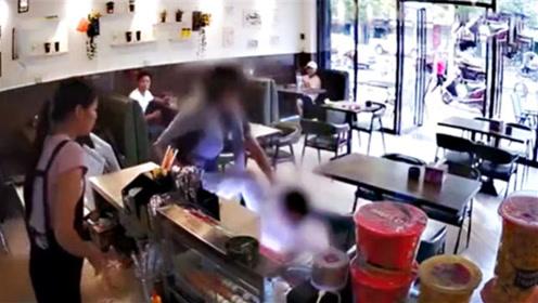 女子奶茶店内遭暴打,原因竟是结账时无意擦碰,打人者被处拘留十五日