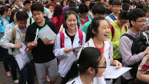 大学毕业后放弃中国国籍,我国损失了7000亿,如今过得怎么样?