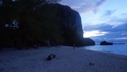 藏在大海肚子里的海滩,需要乘船才能到达,带给人无限神秘