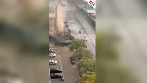 太原地铁2号线施工过程中挖断天然气管道 大量气体向外喷泄