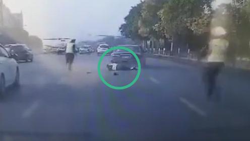 辽宁鞍山一交警执法被撞碾压不幸牺牲 肇事司机已落网