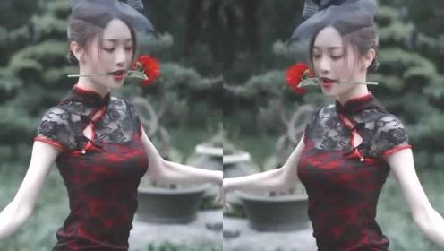 女神就是女神,旗袍装跳起舞真的魅力十足,妩媚动人