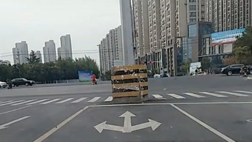 有哪位老司机告诉我一下 这路该怎么走 让我顺杆爬吗