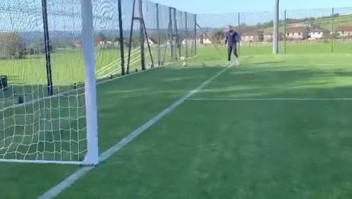 皇马这样练习射门就为进球