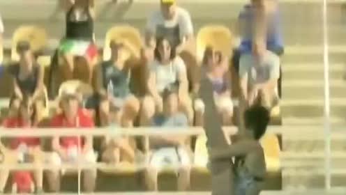 女子跳水比赛,中国小姐姐比标准动作还惊艳,看得我热血澎湃