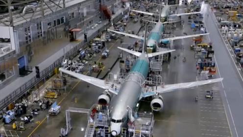 波音飞机制造厂占地400万平方米,破世界纪录,上厕所需开车!