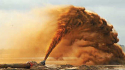 """中国研制出""""吞沙巨兽"""",1天改变40亩沙漠地质,已在甘肃投入使用"""