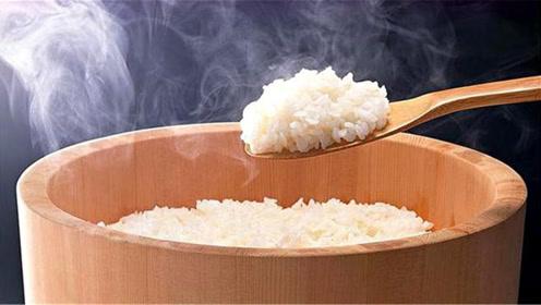 煮米饭别用老一套,教你小妙招,煮的米饭好吃又香又糯,快试试吧
