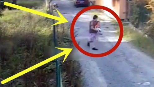 爸爸带儿子在门口散步,接下来发生可怕的事,逃跑还来得及吗?