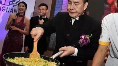 香港一碗炒饭卖5000块,为何赌王赞不绝口?看完确实很值这个价