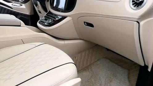 改个车:西安改装奔驰威霆内饰,你们觉得这样的改装多少钱合适?