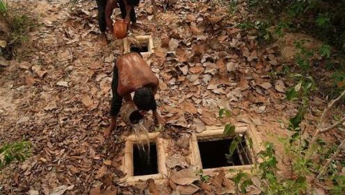 农村牛人在地下挖出两室一厅,往里面倒满水后,跳进去就不想出来了!