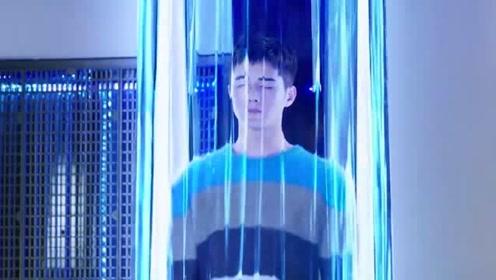 """《我的机器人男友》林墨白:""""我去充电了""""林博士:这小子有问题"""