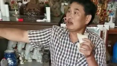 大衣哥中午就吃这个洛馍卷白菜炒细粉,比大餐都好吃,有没有来吃的?