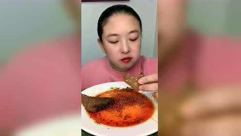 美食吃播:嘎嘣脆海蜇头