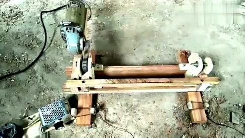 高手就是厉害,缺什么自己造!用手磨机都能改造筛沙机,太牛了
