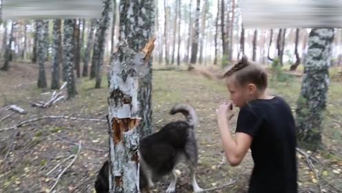 8岁俄罗斯小女孩儿,30秒挥拳200下,拳王看后都直呼精彩