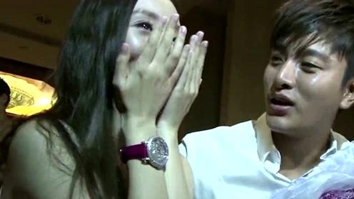 贾乃亮李小璐共同律师好友发声:已离婚1年8个月,女方与PGone分手