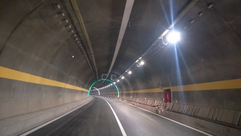 我国一隧道3年只挖4米,印度表示嘲笑,德国专家默默竖起大拇指