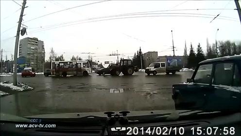 海外2014年2月车祸事故视频集合