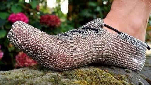 """牛人发明""""不锈钢""""跑鞋,穿上跟没穿一样,网友:蹦迪会掉吗?"""