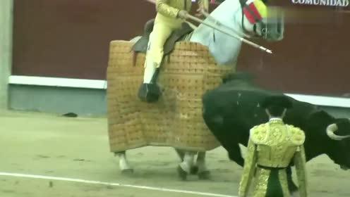 极限挑战!西班牙最大斗牛场,看着都揪心,赶快来看看