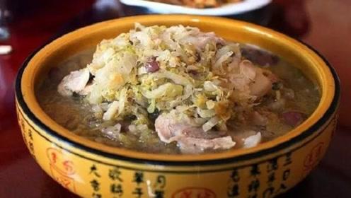 """它是东北最""""硬""""的一道菜,全家人能吃好几天,南方人:看着害怕"""