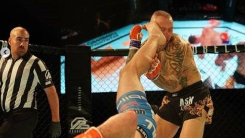 百年难遇的KO,他腾空三百六十度的劈挂腿KO对手!