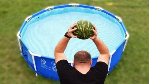 趣味小实验:老外作死将6个西瓜挨个砸进水池,水池会被砸烂吗?