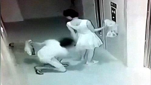 白裙妹子正准备乘电梯,身后男子的举动让她气得直跺脚!