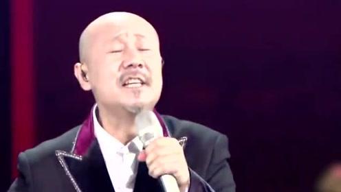 腾格尔翻唱薛之谦《丑八怪》,一开口我坐不住了,大草原的飓风来了!