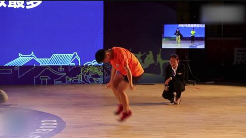 中国少年跳绳再破纪录 30秒228次惊呆海外网友