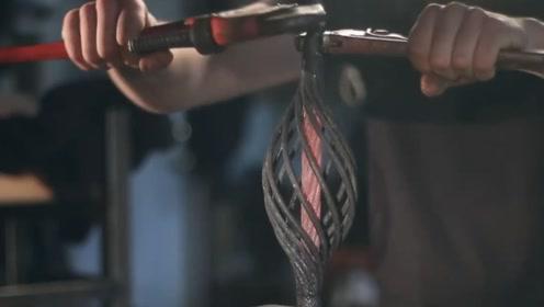 一块铁块锻造成这造型,真佩服铁匠这手艺,就是不知道有啥用途?