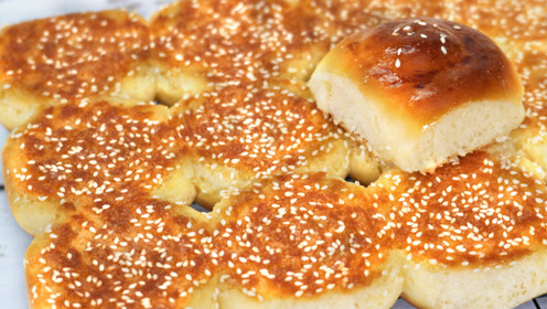 儿时最爱吃的蜂蜜小面包,详细步骤告诉你,金黄香酥,比买的好吃